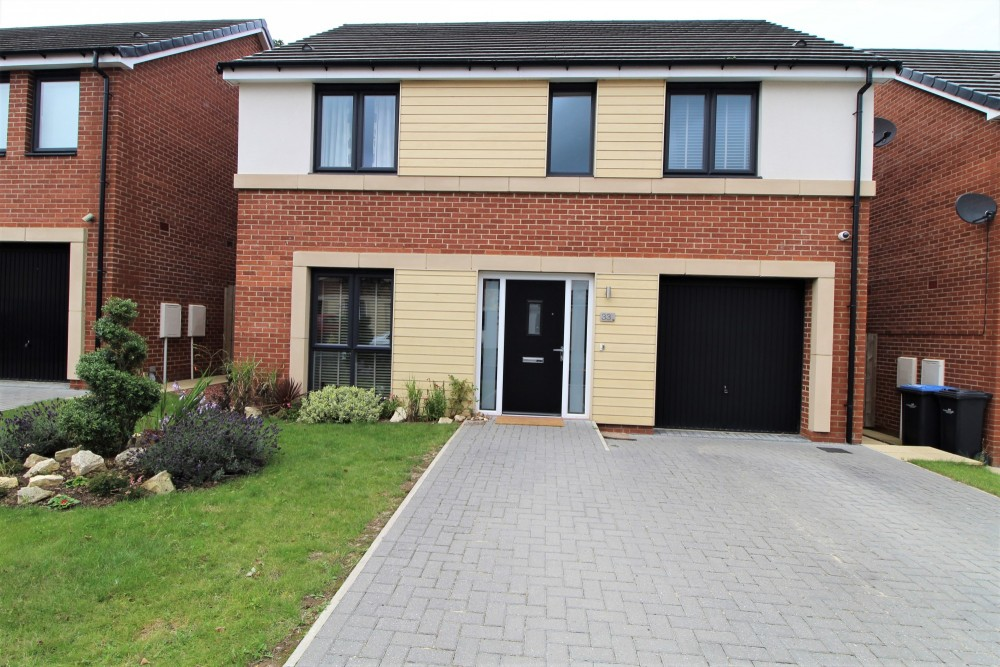 4 bed Detached house For Rent in Middlesbrough, Cleveland - 1