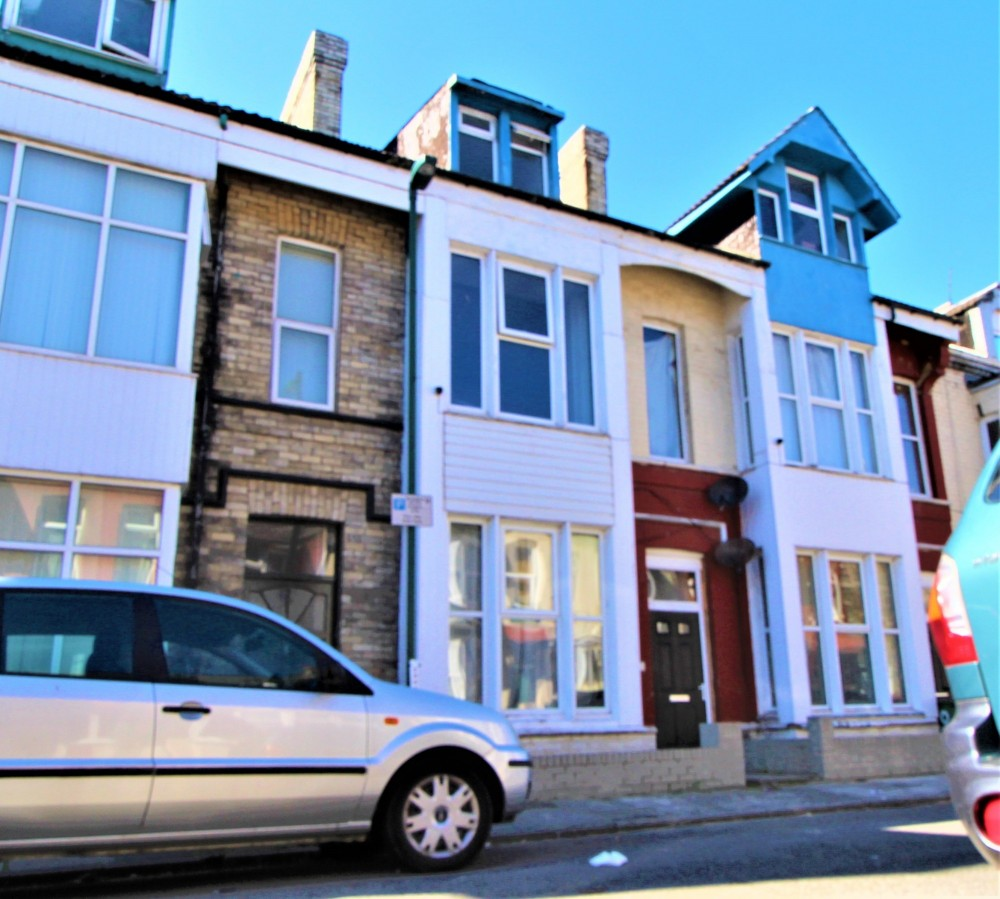 3 bed Self Contained Flat's For Sale in Redcar, Cleveland - 1