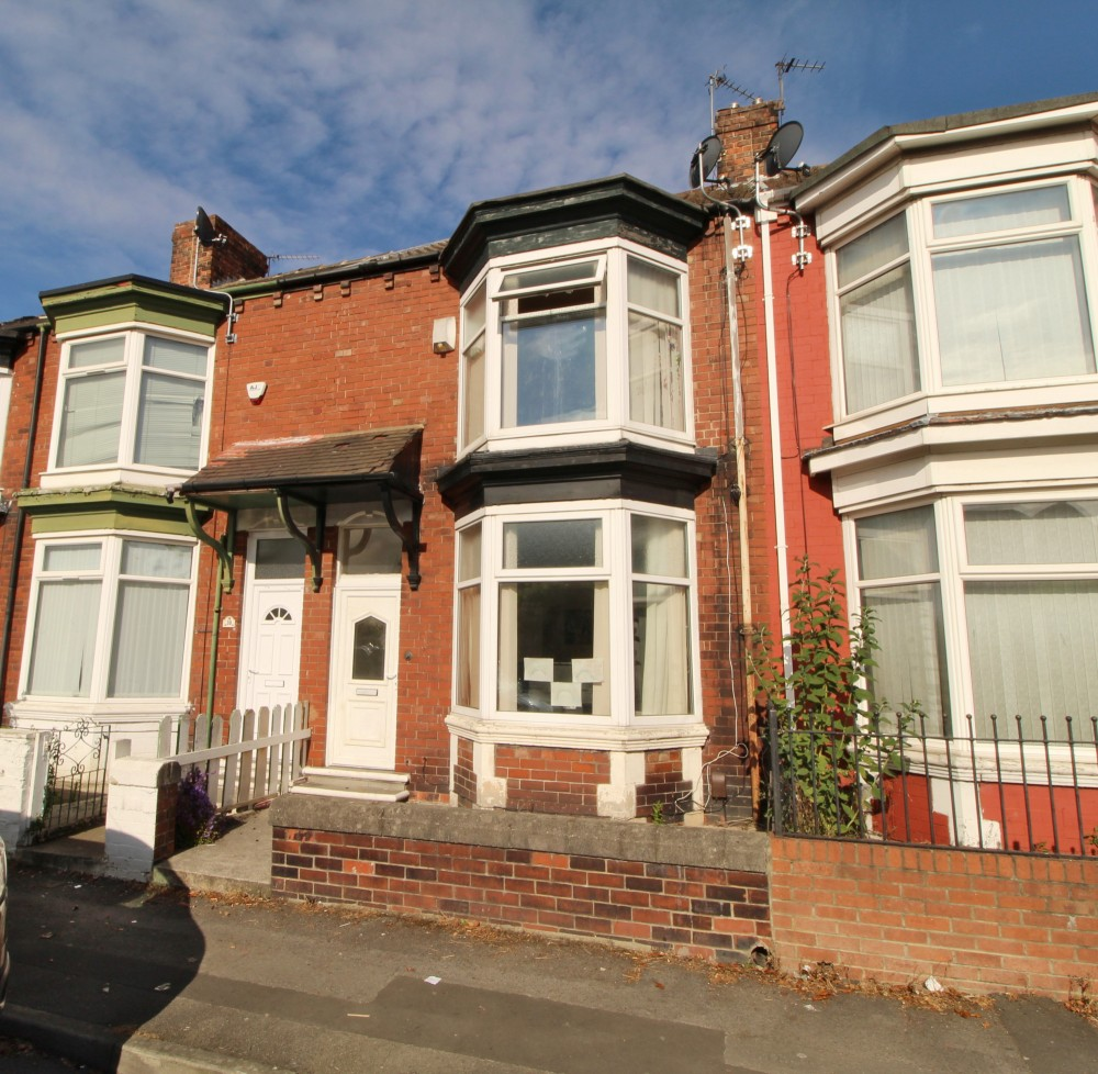 3 bed Terraced House For Rent in Middlesbrough, Cleveland - 1