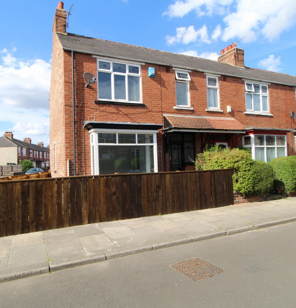 3 bed House For Rent in Middlesbrough, North Yorkshire - 1
