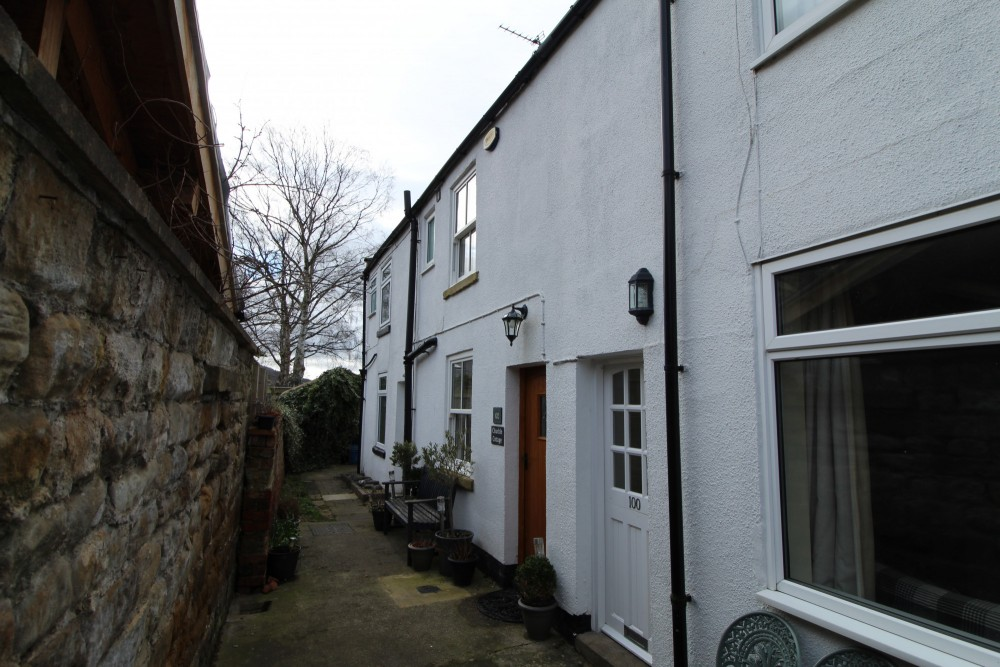 2 bed Cottage For Rent in Swainby, North Yorkshire